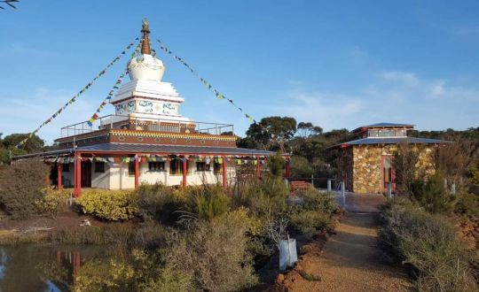 enlightenemnt-stupa-and-prayer-wheel-house-at-de-tong-ling-retreat-centre-july-2018-photo-courtesy-of-de-tong-ling-retreat-centre