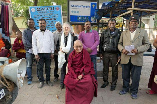 lama-zopa-rinpche-visits-maitri-world-leprosy-day-booth-bodhgaya-jan-2019--ven-roger-kunsang