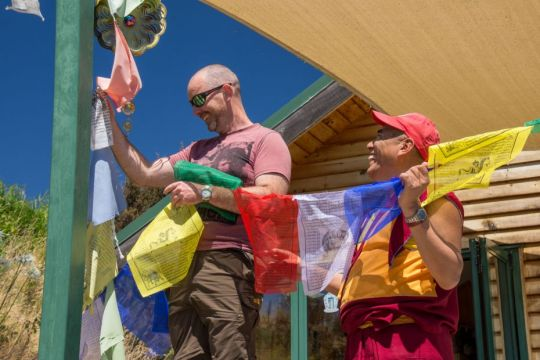 anton-weiersmuller-geshe-jampa-tharchin-prayer-flags-feb-2019-chandrakirti-meditation-centre-sarah-brooks