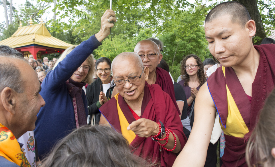 Retreat at Institut Vajra Yogini with Lama Zopa Rinpoche Brings FPMT 'Family' Together