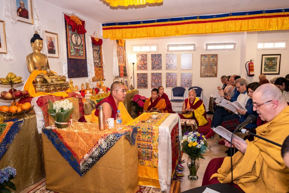 Ling Rinpoche teaching a room full of students at Centro Nagarjuna Madrid in Spain.