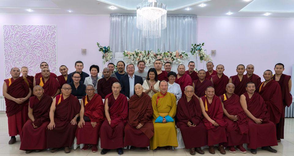 Lodoi-Rinpoche-Telo-Rinpoche-Lama-Zopa-Rinpoche-Sangha-and-Lay-Students-Elista-Kalmykia-Russia-Oct-2019