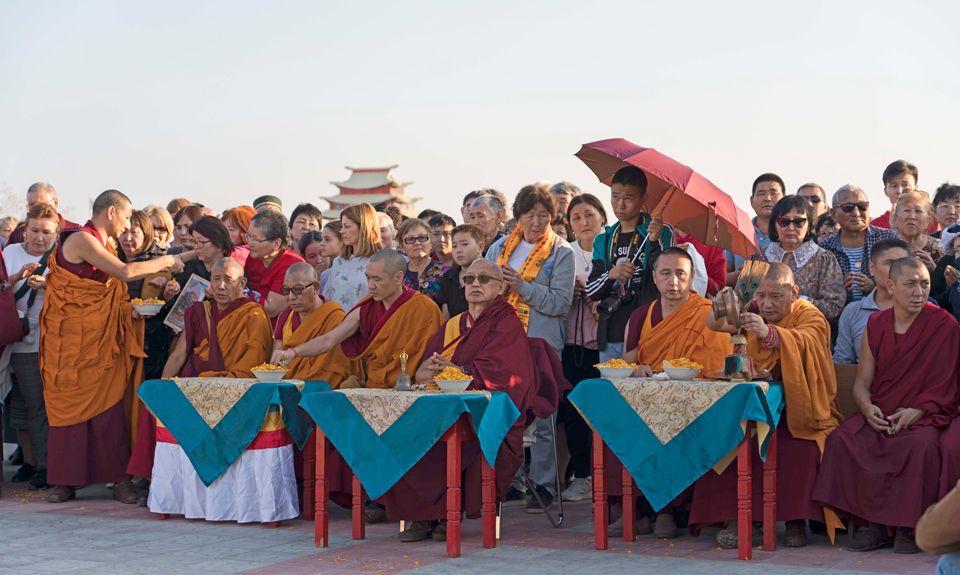 Lama-Zopa-Rinpoche-Maitreya-Statue-Kalmykia-2019