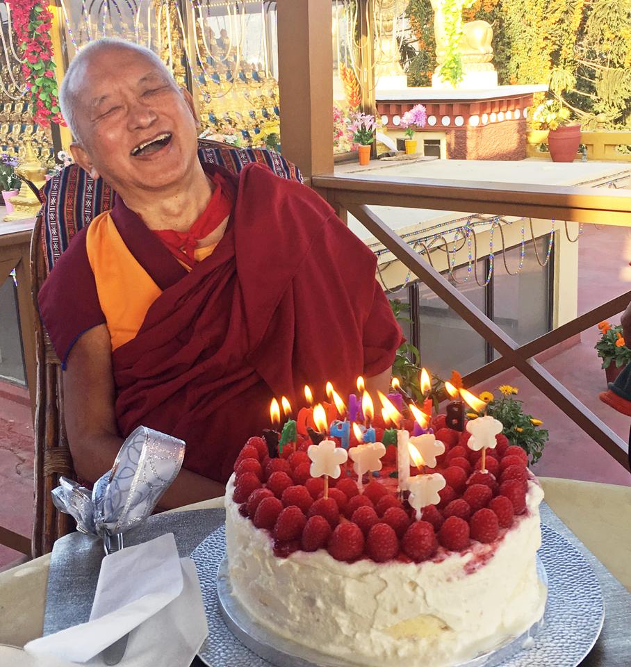 Lama-Zopa-Rinpoche-birthday-cake-Kopan-Nepal-2016
