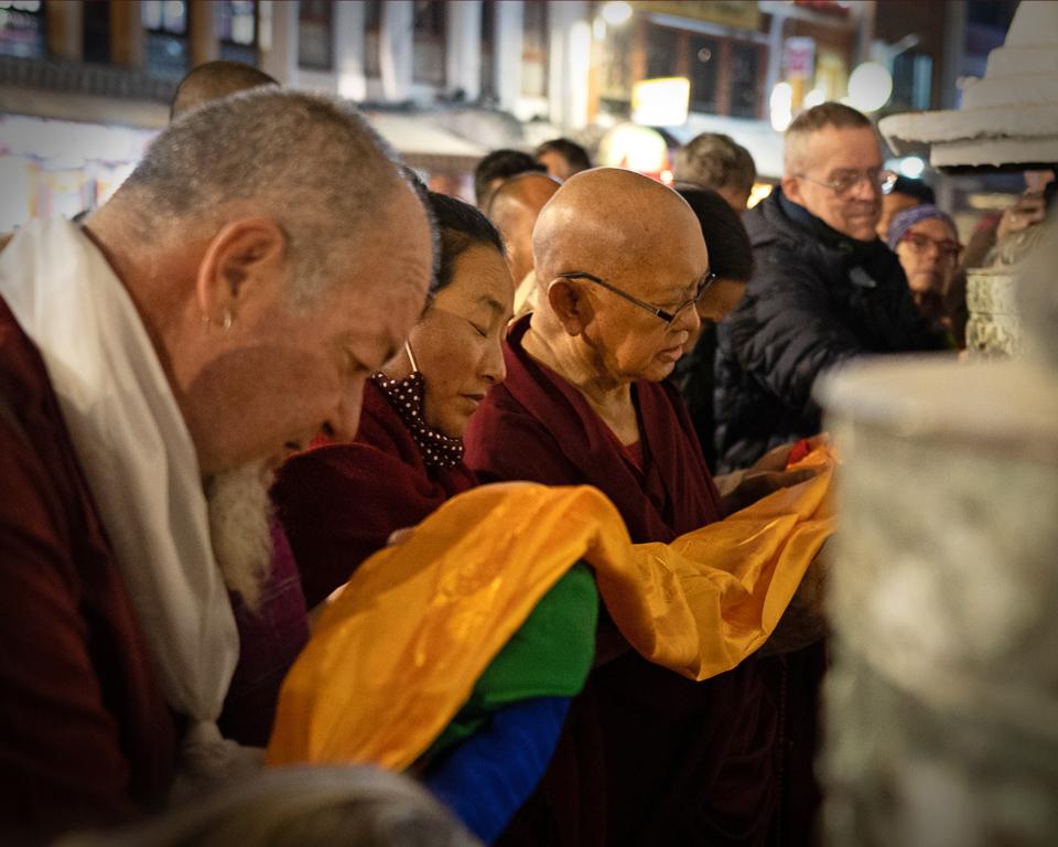 Lama-Zopa-Rinpoche-Khadro-la-Boudha-Stupa-20191128-Weichhart