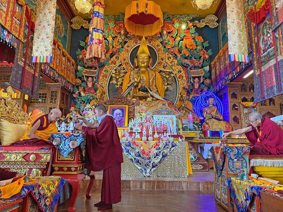 Lama Zopa Rinpoche Does Puja at Kopan for Removing Coronavirus