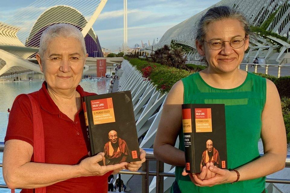 Centro Nagarjuna Valencia Celebrates the Publication of EL MUNDO FÍSICO