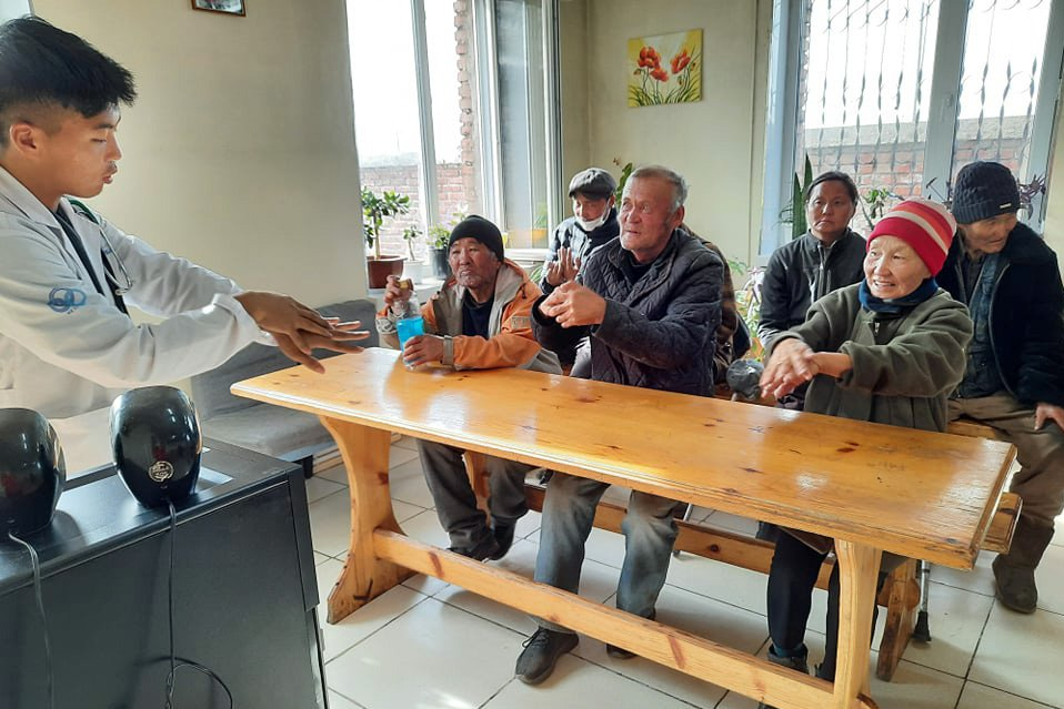 Ganden Do Ngag Shedrup Ling Benefits the Community During COVID