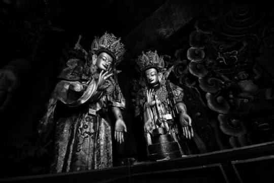 Statues of two of the Eight Bodhisattvas in Sera Je's assembly hall, Sera Monastery, Lhasa, Tibet, 2014. Photo by Matt Lindén.