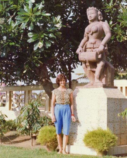 Trisha Donnelly in Puri, India, 1983. Photo by Nicolas Ribush.