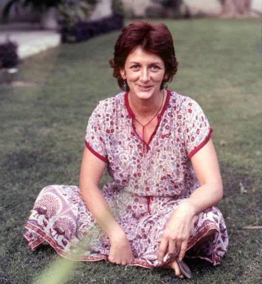 Trisha Donnelly in the front yard of Tushita Mahayana Meditation Centre in the 80s, New Delhi, India. Photo courtesy of Lama Yeshe Wisdom Archive.