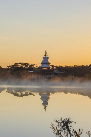 De-Tong Ling's Enlightenment stupa at sunrise, October 2012. Photo by Katrin Rehde.