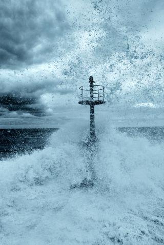 storming-sea