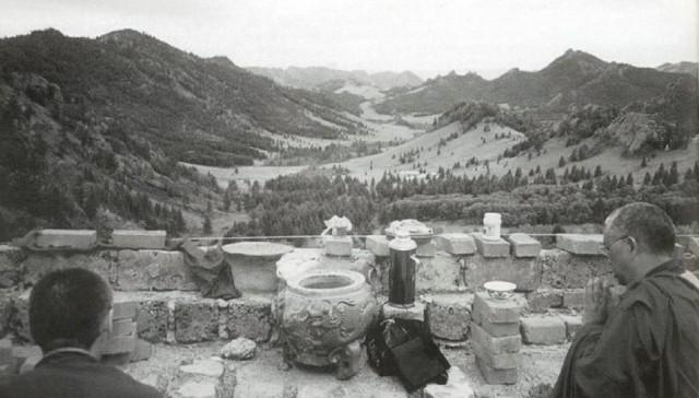Lama Zopa Rinpoche will build retreat huts outside Ulaanbaatar