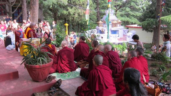 Lama Zopa Rinpoche Visits Tushita Meditation Centre