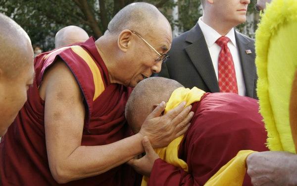 His Holiness the Dalai Lama Visits Kurukulla Center