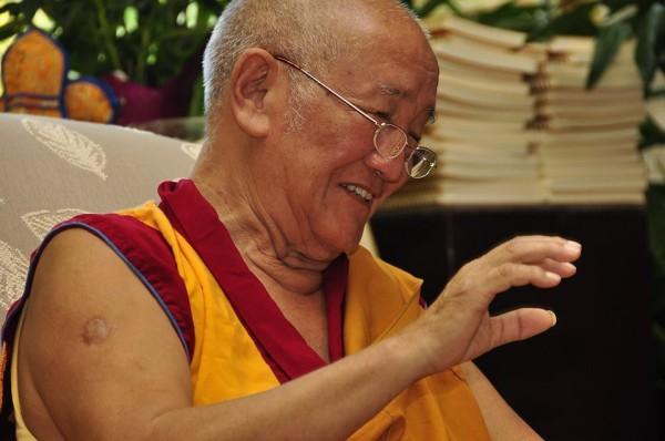 Gyumed Khensur Rinpoche Lobsang Jampa teaches and leads retreat at Guhyasamaja Buddhist Center, Fairfax, Virginia, U.S., July 2013. Photo courtesy of Guhyasamaja Buddhist Center.