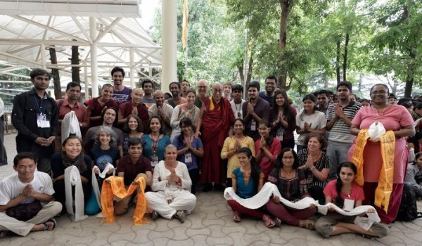 Choe Khor Sum Ling students and other teaching attendees with His Holiness the Dalai Lama, June 2013. Photo courtesy of Shanti Yajnik.