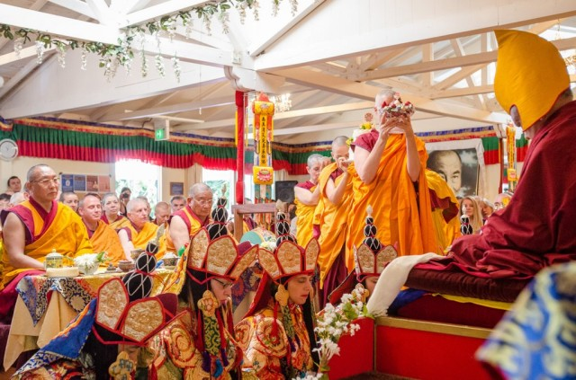 Long life puja for Lama Zopa Rinpoche at Land of Medicine Buddha, Soquel, California, U.S., September 29, 2013. Photo by Chris Majors.