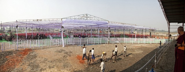 Preparing the grounds for the ceremony, Kushinagar, December 12, 2013. Photo by Andy Melnic.