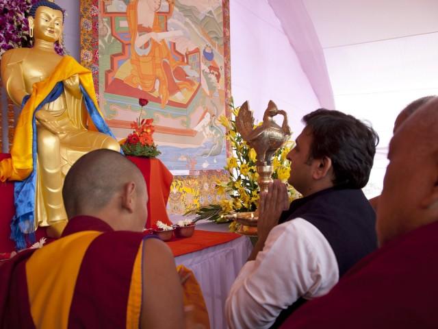 Uttar Pradesh Chief Minister Akhilesh Yadav with Lama Zopa Rinpoche,  Kushinagar, India, December 13, 2013. Photo by Andy Melnic.