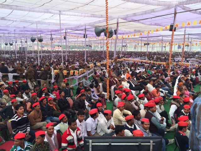 Thousands of people attended the foundation stone laying ceremony, Kushinagar, December 13, 2013. Photo by Ven. Sangpo Sherpa.