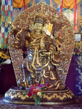 Dusum Sangay Guru Rinpoche statue, February 2014. Photo courtesy of Chandrakirti Tibetan Buddhist Meditation Centre.