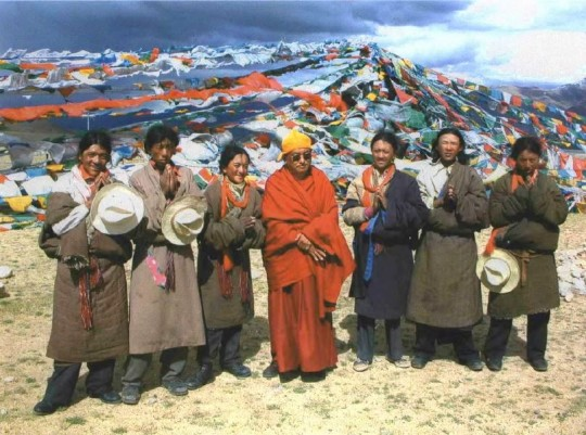 """""""I tried to explain to the police that I didn't come to Tibet to see mountains etc., that I was not a tourist, that I came for pilgrimage to see all the very special holy places"""" — Lama Zopa with fellow pilgrims in Tibet. Photo by Ven. Roger Kunsang."""