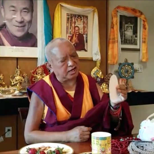 Lama Zopa Rinpoche explaining the benefits of the Namgyälma mantra at the FPMT International Office in Portland, Oregon, US, April 2014. Photo by Mandala.