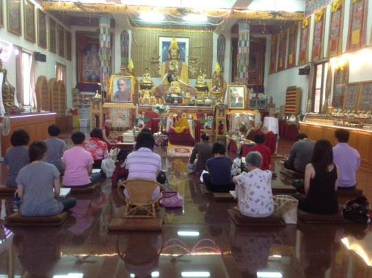 Geshe Gyatso leads lam-rim meditation at Shakyamuni Center, Taichung City, Taiwan, 2014. Photo courtesy of FPMT Taiwan.