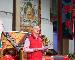 Ian Green sharing about the Great Stupa of Universal Compassion, Australia, September 17, 2014. Photo by Laura Miller.