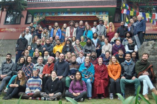 tushita-meditation-centre-introduction-to-buddhism-course-february-20-to-march-1-2018-students-posing-for-a-group-photo-taken-by-tushita-staff
